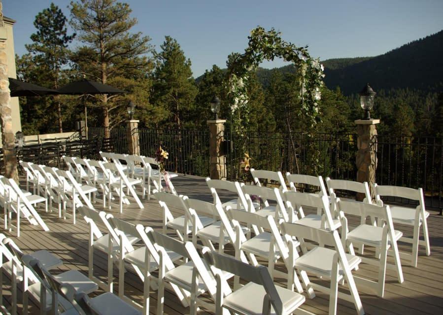 Arrowhead Bnb's ceremony area.