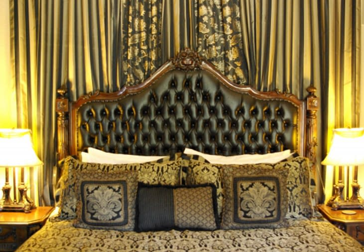 Here is King's bed.